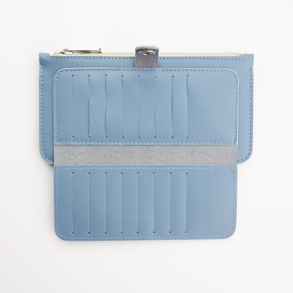 női bőr pénztárca kártyatartó rekeszei nyitott állapotban