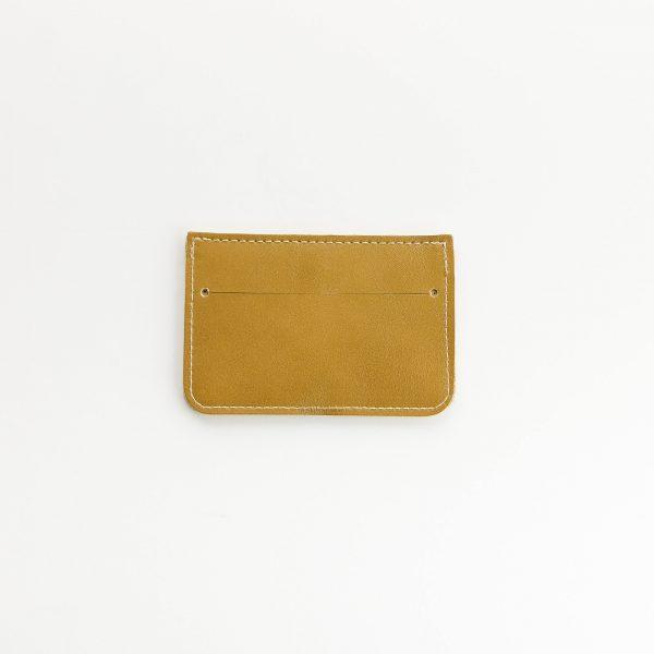 mustár kártyatartó hátoldala