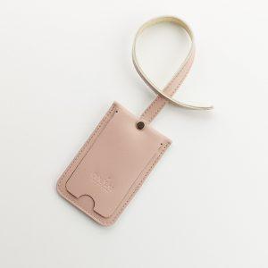 púder rózsaszín színű bőr csomag cimke
