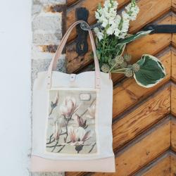liliom motívumú vászon táska virágcsokorral