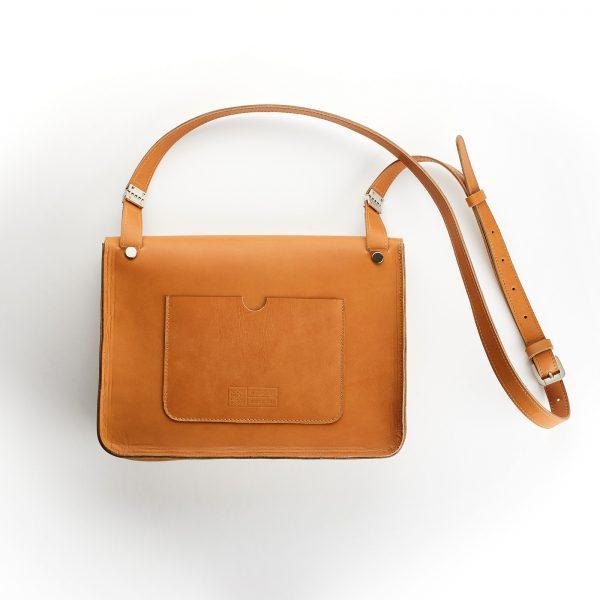 konyak bőr női kis táska hátoldalán nagy lapos zsebbel
