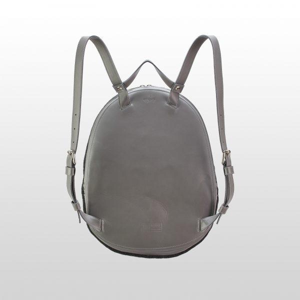 gyapjúfilc hátizsák bőr hátlappal és pántokkal
